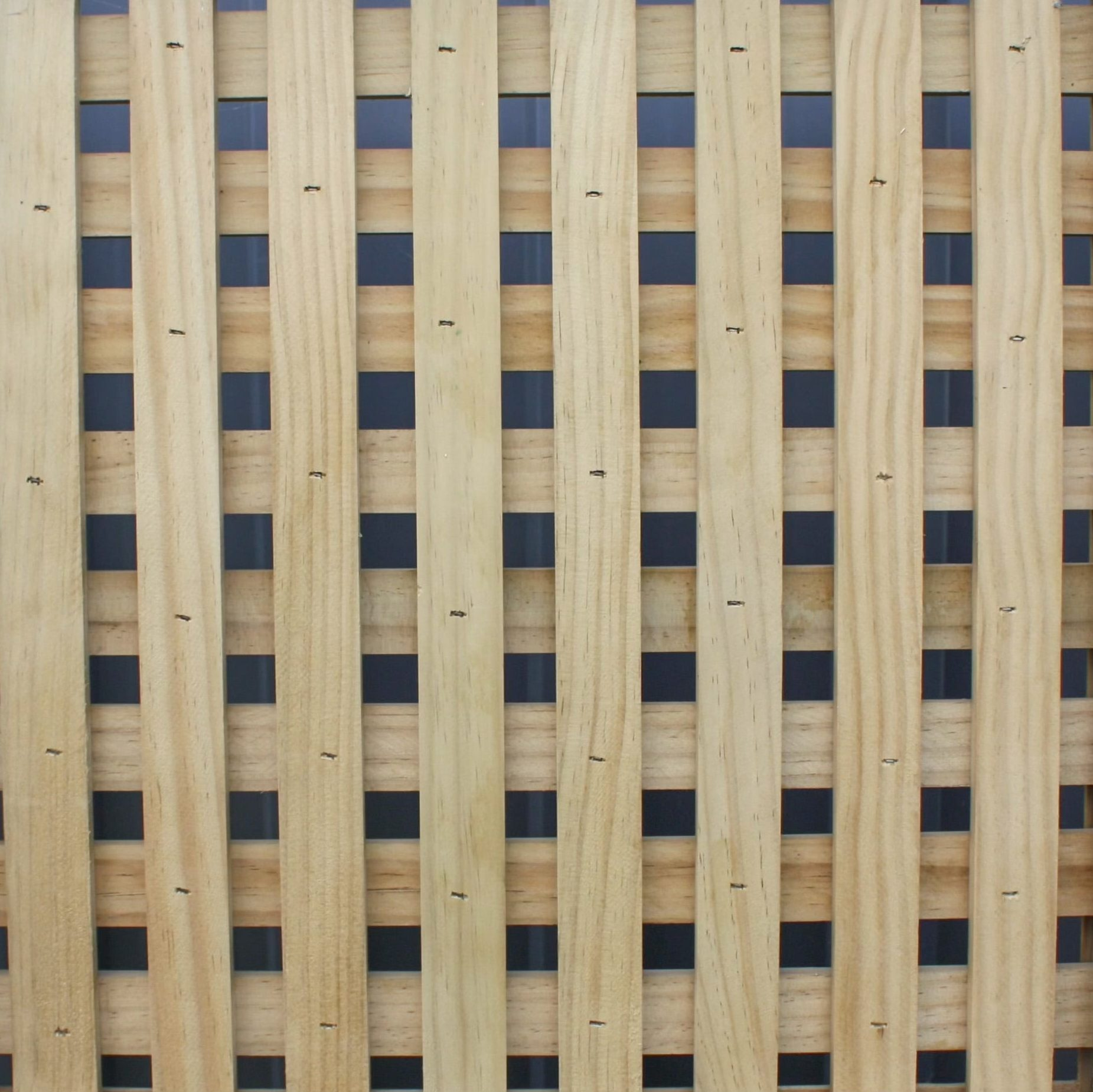 A picture of a 20 mm Square fence design.