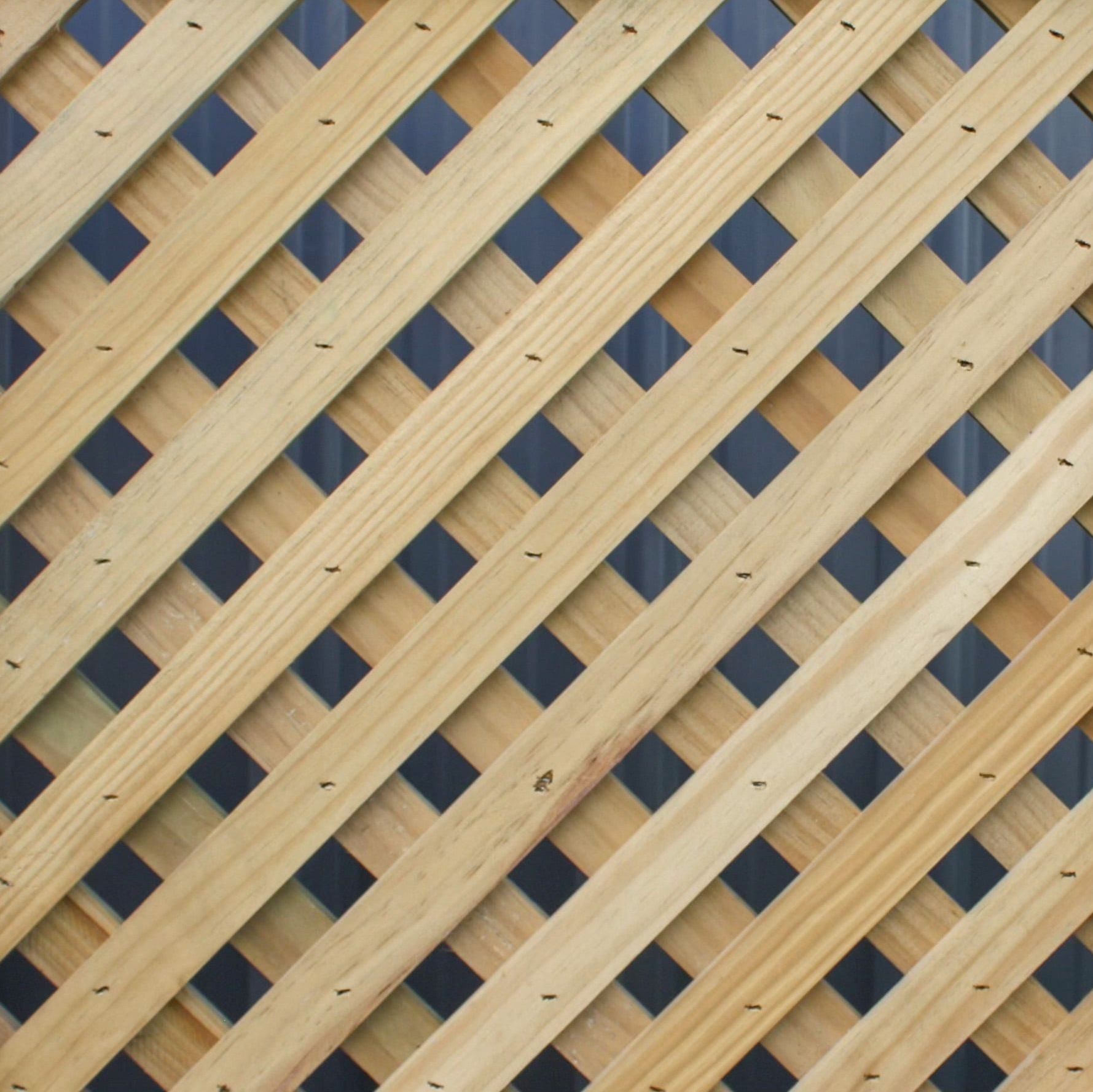 A picture of a 25mm diagonal fence design