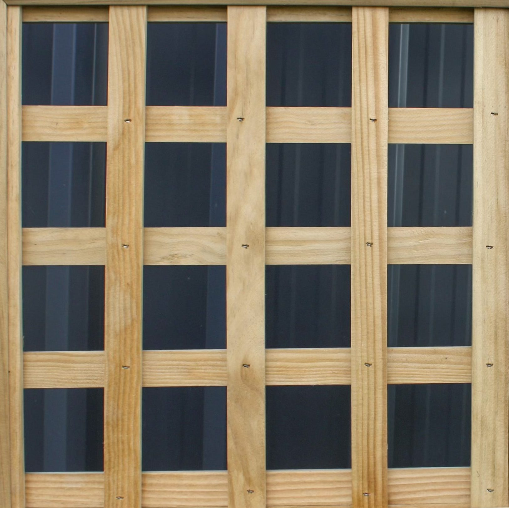 A picture of a 70mm square fence design