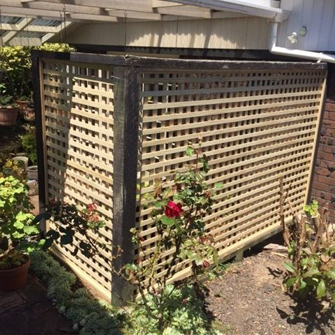 A picture of an installed 46mm square fence.