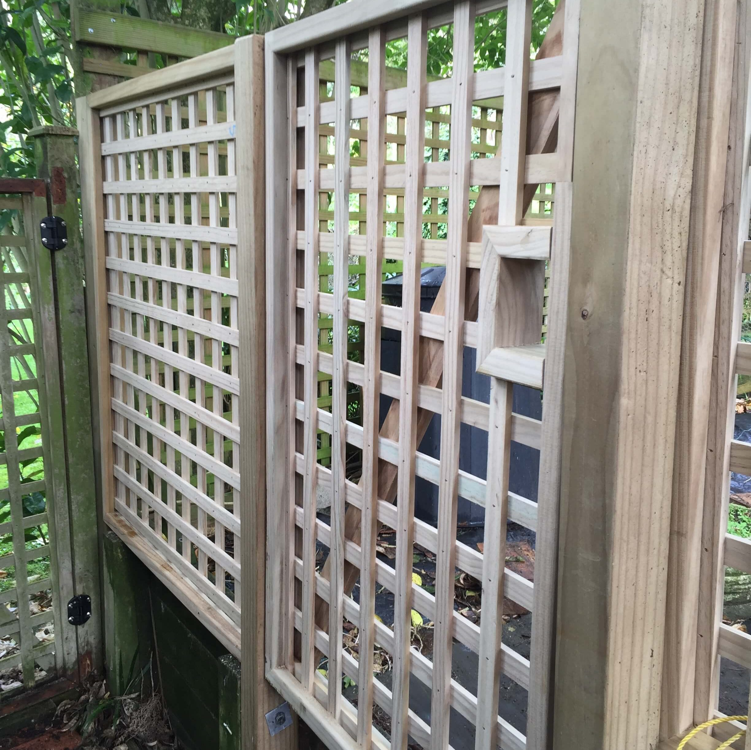 A picture of an installed 70mm square fence.